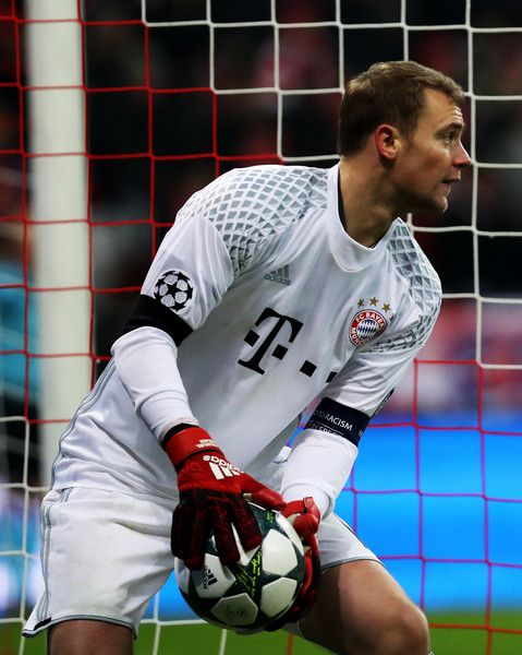 25 best ideas about neuer goalkeeper on pinterest manuel neur manuel neuer and manuel neuer. Black Bedroom Furniture Sets. Home Design Ideas
