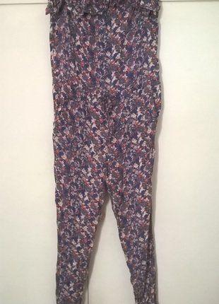 À vendre sur #vintedfrance ! http://www.vinted.fr/mode-femmes/autres-combinaisons-and-combishorts/36852419-combinaison-bustier-a-motifs-fleuris-taille-38
