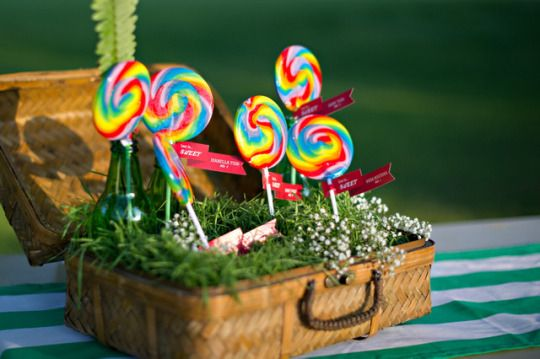 Swirled lollipops at a Wizard of Oz themed wedding on ohlovelyday.com