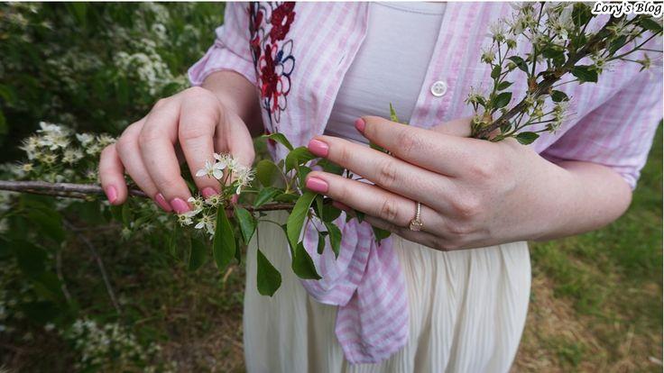 Cum poţi purta fusta plisată într-o ţinută lejeră? - Lory's Blog