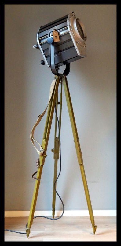 TOPSTUK! Industriële voormalig DDR statief lamp! Groot zeldzaam model! (meerdere beschikbaar!)