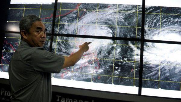 Filipinas es castigada con fuerza por un supertifón de nombre Koppu; desarrolla vientos de 240 kilometros por hora