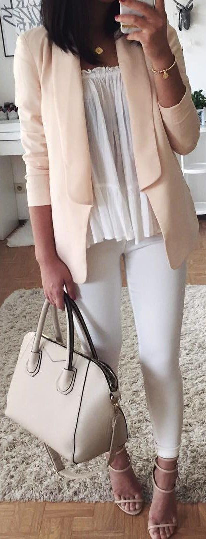 Light Pink Blazer + White Leggings + Cream Leather Tote Bag