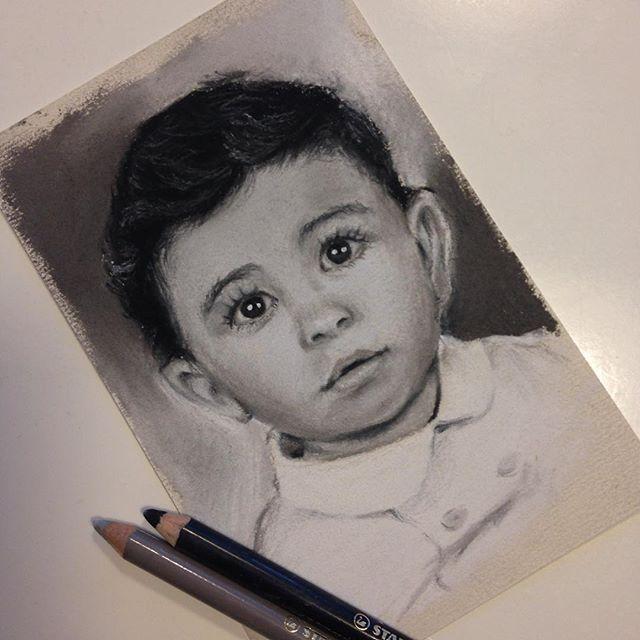 "[ALAIN] 10 x 15 cm - Cuatro y último mini retrato listo (4 de 4) en la foto original tenía 1 añito, ahora tiene 4. Mañana comparto la foto de los 4 con sus modelos!! [ALAIN] 3.9"" x 5.9 - Fourth and last mini portrait done (4 of 4) in the original pic he was just 1 year old, now is 4. Tomorrow I'll share them all togheter with the models!!"