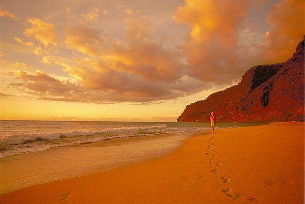 Image: Polihale beach in Kauai, Hawaii at sunset. (© Rex Features)