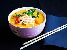Kyckling och udonnudlar i gul curry