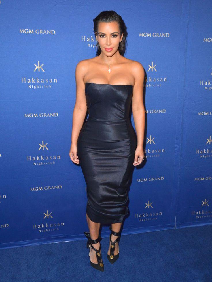 Blue dress kim kardashian father