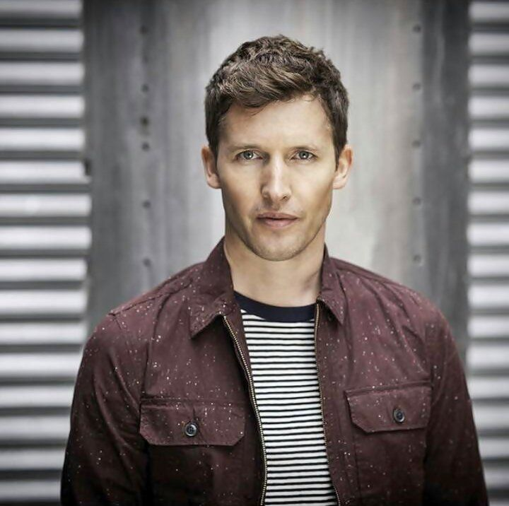 Listen To Music From James Blunt Like You Re Beautiful Goodbye My Lover More Find The Latest Tracks Albums An James Blunt James Blunt Moon Landing Singer