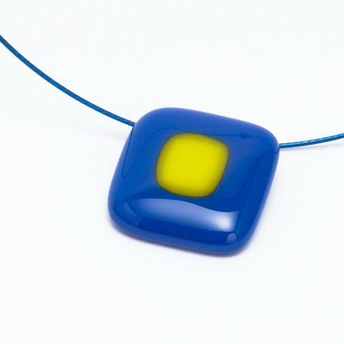 Kék-zöld medál