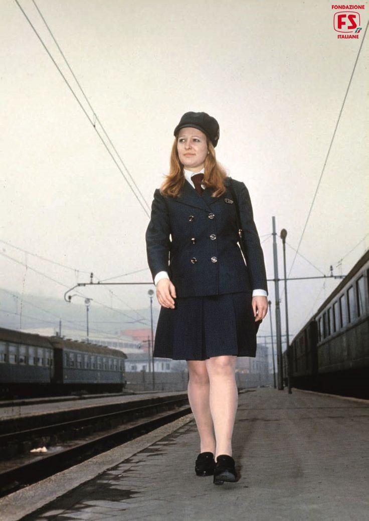 Ferrovie in rosa. Dagli anni '60 le donne entrano in ferrovia, macchiniste e operaie comprese. Anche la vita sociale, da organizzare tra famiglia, mariti e professione, cambia colore