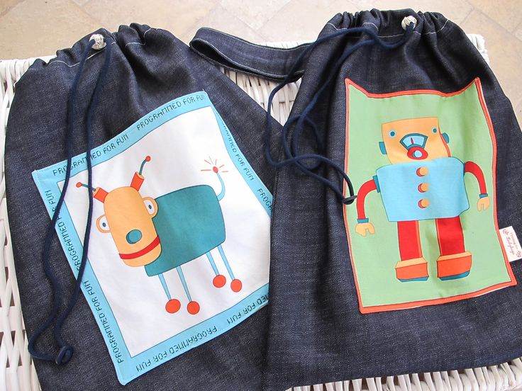 Robot Library Book Bags.  Sewing by Hunting for Ladybugs