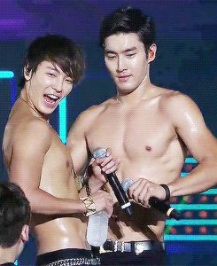 Donghae and Siwon hahahahaha LOL XD