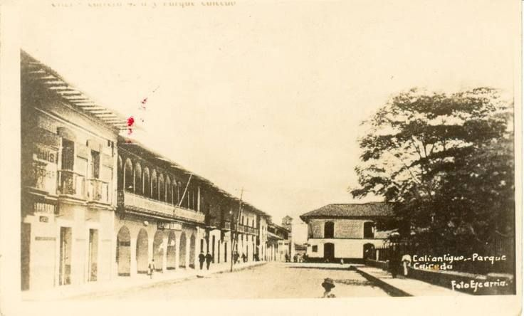 Juan Andrés Quintero: CALI VIEJO - Memoria fotográfica. Plaza de Caicedo (Sin fecha)
