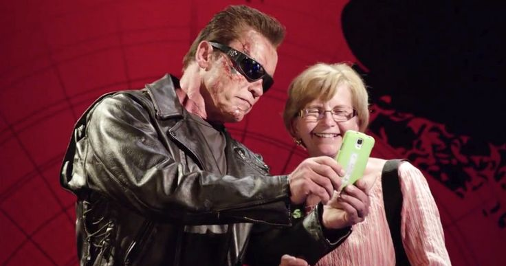 Arnold Schwarzenegger Pranks Fans as Wax 'Terminator' -- Arnold Schwarenegger went undercover as the T-800 from 'Terminator Genisys', giving tourists a bit of a scare, all to benefit a worthy cause. -- http://movieweb.com/arnold-schwarzenegger-prank-wax-terminator/