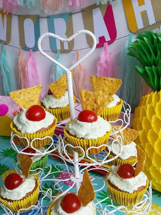 Hartige Mexicaanse Cupcakes met maïs en avocado