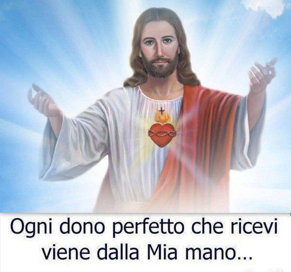 Hashtag #SantaDomenica su Twitter
