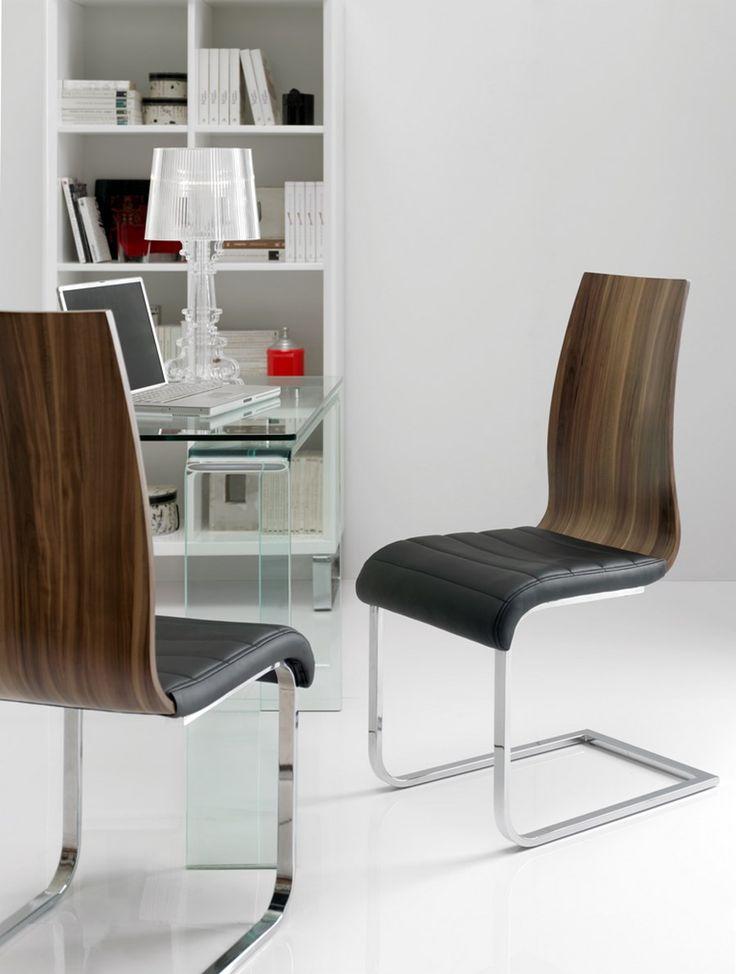 Nuestra silla CH-1004 es una excelente opción para quienes buscan un modelo para comedor imponente, con materiales de calidad y con unas líneas elegantes y sinuosas. #diseño #hogar #decoración #interiores #DugarHome #sillas