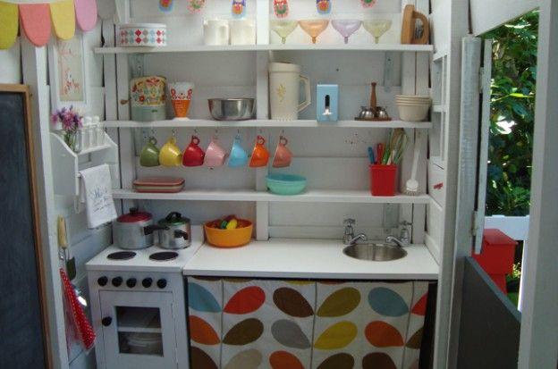 Spielküche im Kinderspielhaus