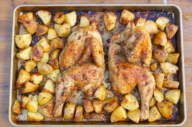 Lemon Roast Chicken with Potatoes / momskitchenhandbook.com