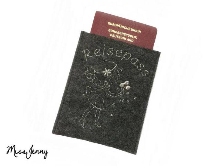 ♥ Reisepass-Hülle Wollfilz anthrazit Soulmate ♥ von MissJenny auf DaWanda.com