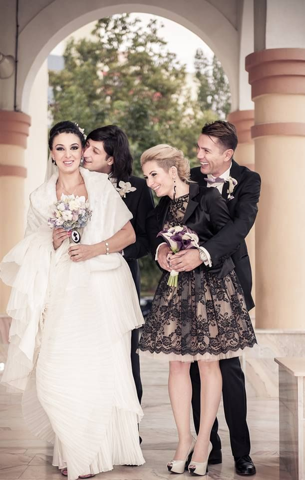Bride and groom and godparents - like movie stars! :X  Photo credit: http://www.pinterest.com/madalinradu37/