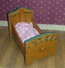 Antikes Holzpuppenbett Puppenstube 30 er Jahre  bemalt