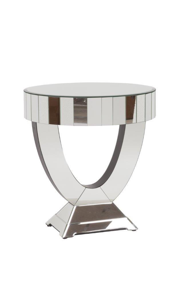 """Зеркальный журнальный столик Dalore, из серии """"Зеркальная мебель"""", – яркий представитель ультрамодного течения в оформлении интерьера зеркальной мебелью. Помимо безупречного изготовления, предмет декора имеет весьма оригинальную форму. Такое сочетание поможет добавить любой комнате вашего дома дорогой и неповторимый вид, а также уют и тепло семейного очага.             Метки: Журнальный стол, Круглый стол.              Материал: Металл, Зеркальное стекло.              Бренд: DG Home…"""