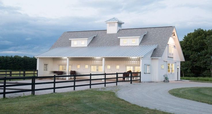 Best 25 horse barn designs ideas on pinterest saddlery for Morton building homes for sale
