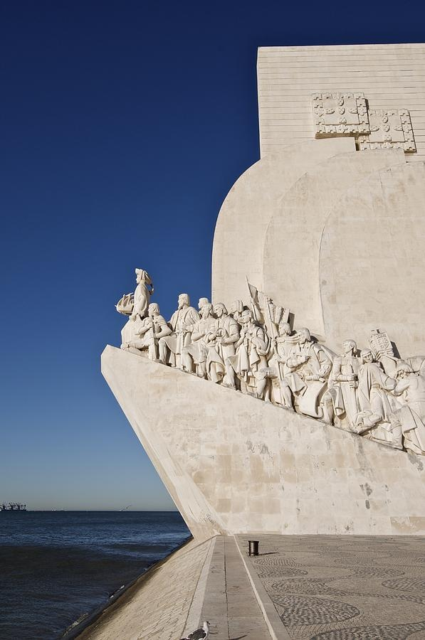 ✭ The sculpture 'Monument to Discoveries' honors Portuguese explorers - Lisbon, Portugal