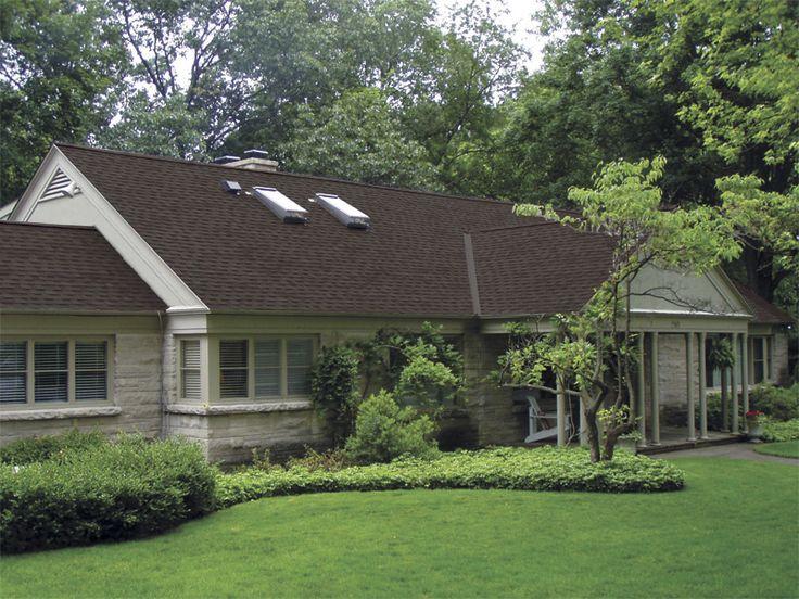 Highland Brown StormMaster Shake Roofing Shingles Images | Sherriff Goslin  Company
