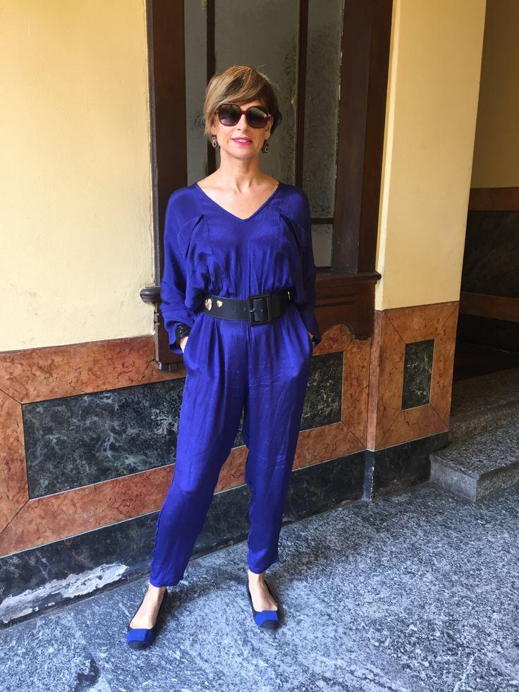 Tuta vintage anni 70 / Tuta blu elettrico / Maxi vestito blu elettrico / Abito elegante / Pagliaccetto elegante taglia 42-44 /Regalo per lei by nonaprirequellarmadi on Etsy