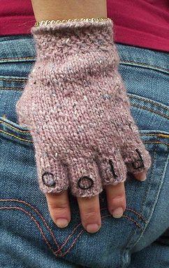 Plain Gloves Knitting Pattern : 25+ best ideas about Fingerless gloves knitted on Pinterest Fingerless glov...
