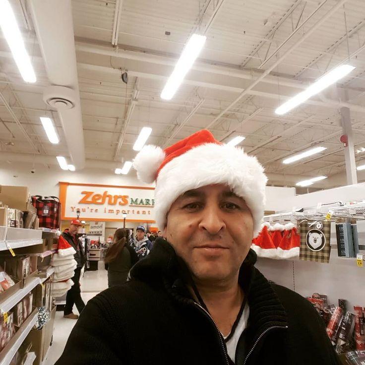 #wreats #cbridge #wrasome #holiday #winter #christmas #shopping #santa #red #thechef #selfie #elixirbistro