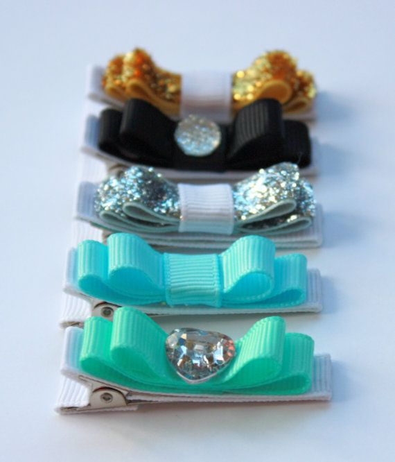 "Belle's Bows - Inspired By Disney Princess "" Aladdin , Jasmine "" collection. set of 5 lined hair bows."