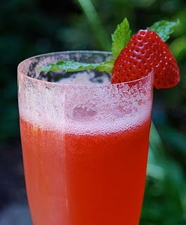Strawberry-Amaretto Champagne Cocktails.. nice twist on the standard mimosa :)