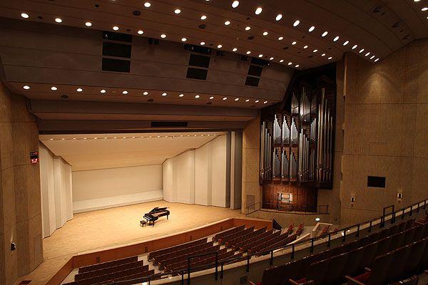大ホール-新宿区立 新宿文化センター