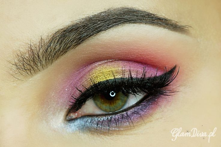 Sunset Makeup by GlamDiva.pl using the Makeup Geek Liquid Gold pigment.