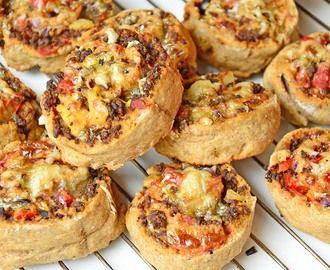 Grove pizzasnurrer med kjøttdeig