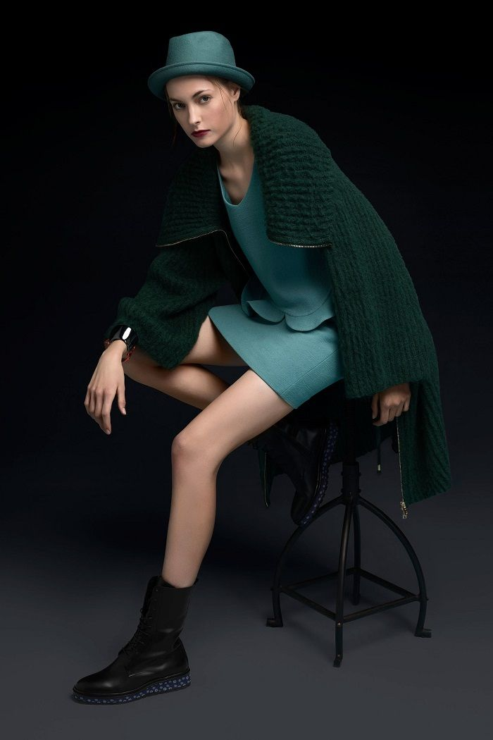 Emporio Armani Pre-Fall 2018 Collection green dress knitted cardigan