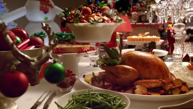 Temptations Christmas Commercial - Keep them busy