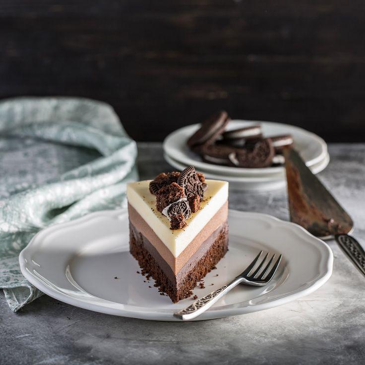 Форма для выпечки коржа 23см с учетом обрезки и усадки по диаметру, форма для сборки торта 22см.      Корж я пеку в два раза выше, ч...