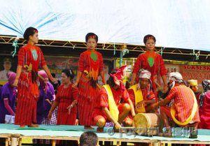 10 Tari Tradisional Sulawesi Selatan - TradisiKita, Indonesia