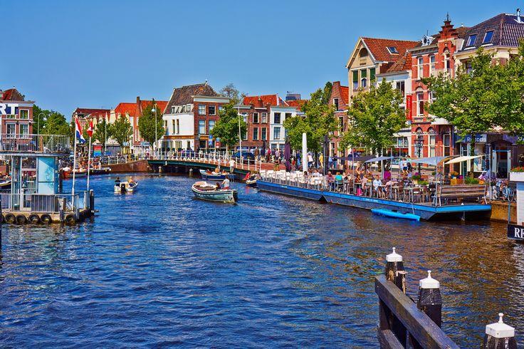 Canals - Leiden by Vlad Dmitriev