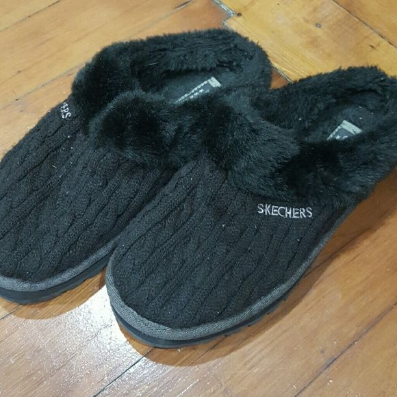 Sketchers slippers Wore this as houseshoes only. sketchers  Shoes Slippers