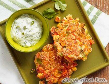 Кукурузные оладки с соусом из кинзы - Диетические блюда - Cook and Eat