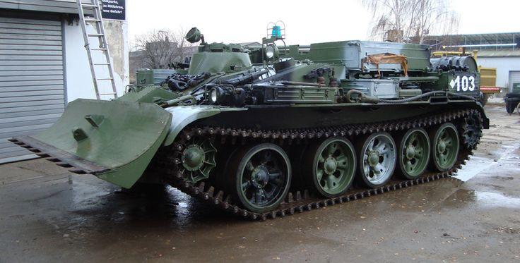 Beifahrer im Bergepanzer T55 in Grimmen Raum Stralsund #panzer #militär #krieger