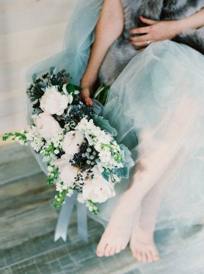 Luxurious Gold and Icy Blue Wedding Inspiration For Winter