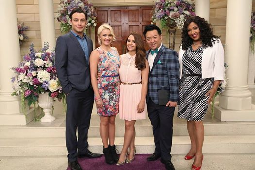 Oh, how we love the Young & Hungry cast! Watch the summer finale this Wednesday at 8/7c on ABC Family!