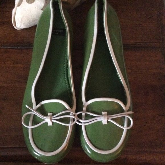 Kate spade rubber shoes sale Cute,and comfy Kate spade rubber shoes goo condition some minor scuff marks from rubbing against other shoes but is removable with alcohol pad or something kate spade Shoes Moccasins