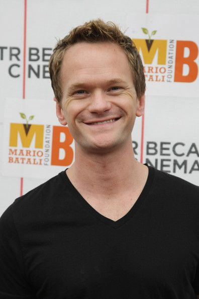 "Actor Neil Patrick Harris poses for a photograph at a screening of Disney/Pixar's new film ""Up"" hosted by the Mario Batali Foundation at Tribeca Cinemas on May 9, 2009 in New York City. (Photo by Neilson Barnard/Getty Images) * Local Caption * Neil Patrick Harris"